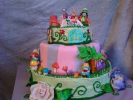 alcie in wonderland cake 2 by marandaschmidt