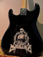 Airbrushing on guitar by Nelsonito