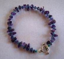 Amethyst chip bracelet by themagpiesnest