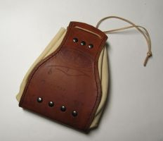 Leather pouch by Durnstaros