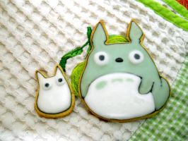 Totoro Cookies by CutieFlame