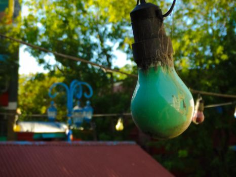 Green bulb by ibalove