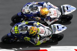 Rossi Vs. Lorenzo by LuckyNo4