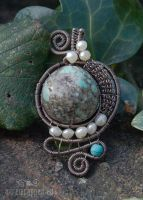 Turquoise and pearl pendant by ukapala