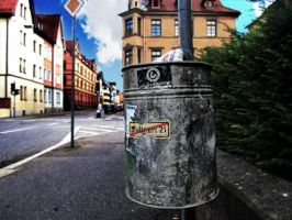 Stuttgart 21 on the trash bin by gkn112