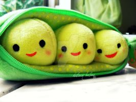 Peas in a pod by helium-baloon