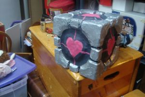 The Weighted Companion Cube by mikuhatsune444