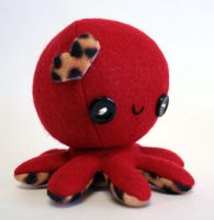Red valentine octopus plush by jaynedanger