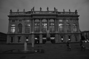 lights in BW - Torino by Rikitza