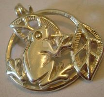 Vintage Sterling Silver Frog and Lily Pad Pendant by sevvysgirl