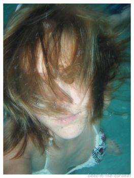 under water hair by Bees-In-The-Caramel