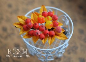 Rowanberry and cloudberry hair pin. Polymer clay by BlossomHandmade