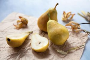 airy pears by zadveri