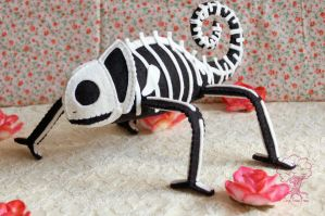 1st skelemeleon of 2012 w roses by quirkandbramble
