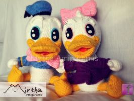 Baby Donald and Baby Daisy amigurumis by MirthaAmigurumis