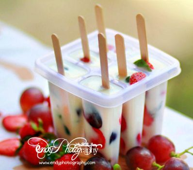 Grapeberries Popsicles by msendy