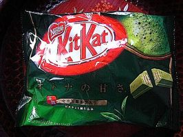 Kitkat Matcha by windixie