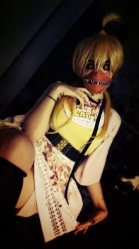 Chica - FIVE NIGHTS AT FREDDY'S Cosplay by goldenhysteria