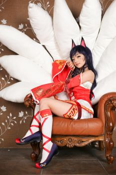 ahri cosplay 4 by pentakill12
