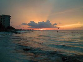 Sunset in Cancun by xanderking