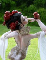 Snow White Sculpture back by MysticReflections