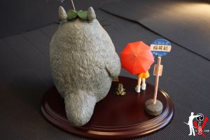 Totoro Bus Stop 3 by ogamitaicho