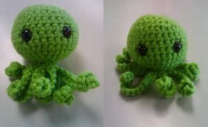 Lil' Green Octopus by Oni4219