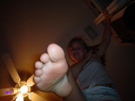 whos that giant by FootFetish