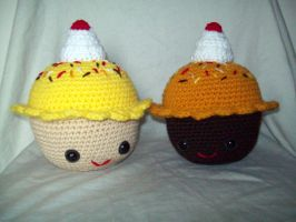 Big Amigurumi Cupcakes by black-moon-flower