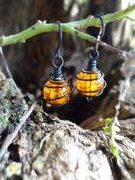 Halloween Lantern Earrings by wickeddreamer