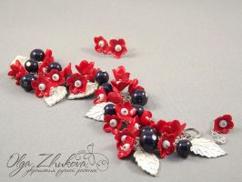 bracelet with flowers by polyflowers
