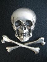 silver skull and cross bones by flintlockprivateer