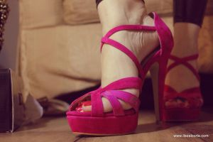 Ilses huuuge giantess High Heel by massiveGTS