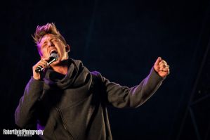 Danny live with Symphony with Stars by Robbanmurray