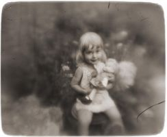 girl with the doll by i-gledam
