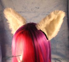 Large White Cat Furry Cosplay Flexi Ears by LiChiba