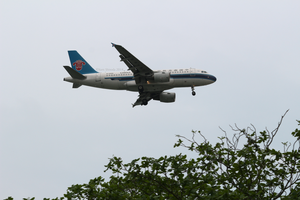 27042013 - Landing: China Southern Airlines by yumithespotter