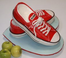Red Converse All-Stars cake by csilkeba