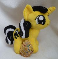 Hufflepuff Pony 2 by caashley
