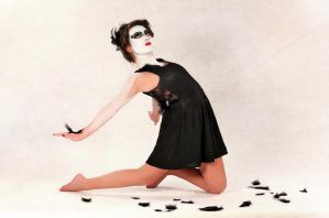 Black Swan by caitlin-soulia