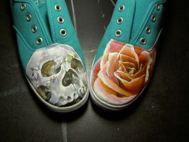 Skull and Rose shoes. by Cai-Muffin
