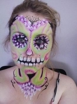 Retro skull facepaint by Blueberrystarbubbles