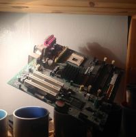 Suspended Motherboard by KiltedCobra