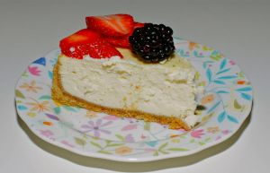 home made cheesecake. by yalsaibie