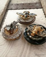 3 bee magnets by janedean