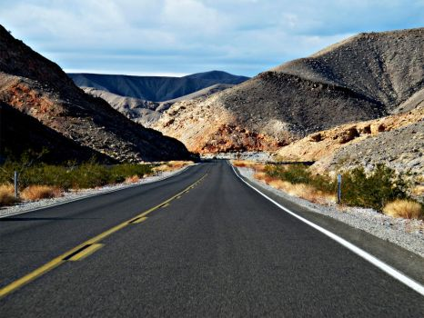 Into Death Valley by Deirdre-T