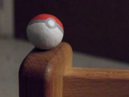 Pokeball by Israel50