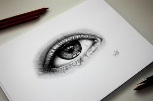 Realistic eye drawing by TinTen97