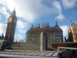 Portcullis House by Funyarinpa