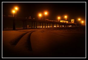 HB Pier at Night 6 by TomasGarcia